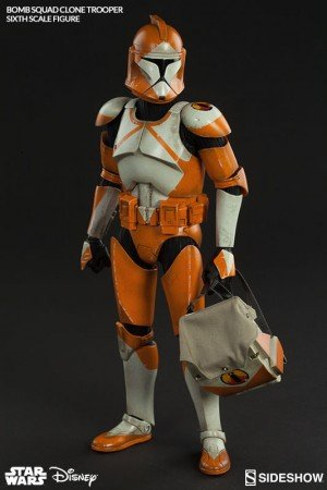 Sideshow-Collectibles-Bomb-Squad-Clone-Trooper-Sixth-Scale-Figure-005-300x450.jpg